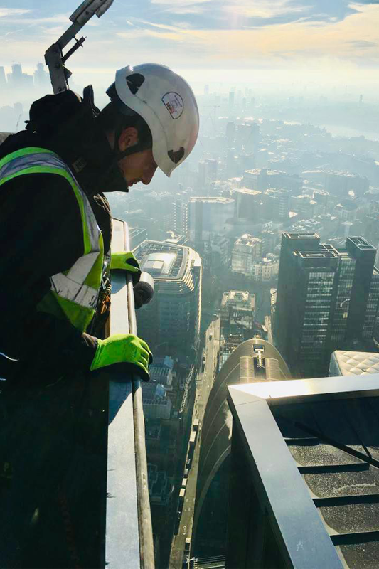 Commercial Glass Maintenance - London